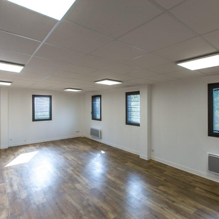 Eclairage salle de réunion moderne